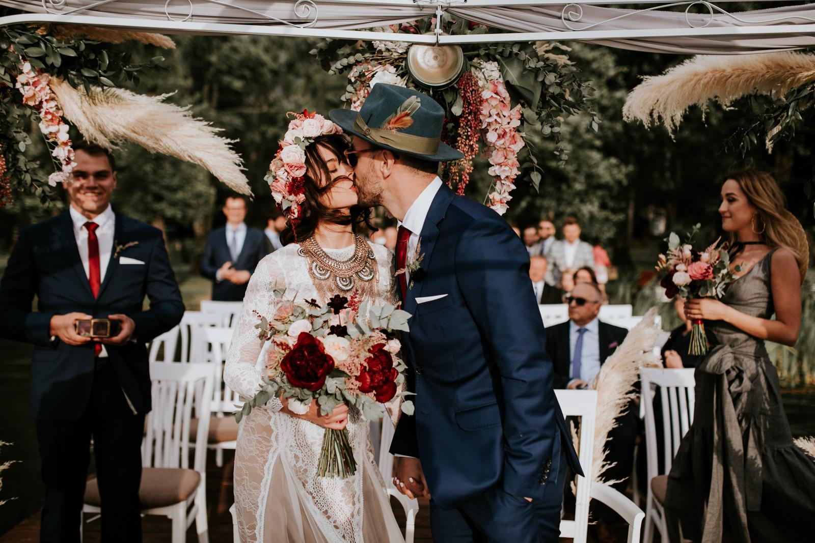 fotograf ślubny, ślub w plenerze, ślub na mazurach, jabłoń lake resort, ślub boho, fotograf warszawa, fotograf mazury, fotograf kraków